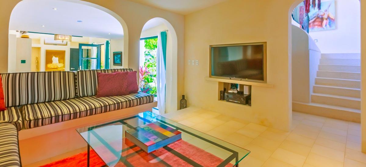 villa encantada living room