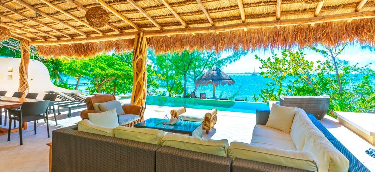 villa encantada outdoor pool area