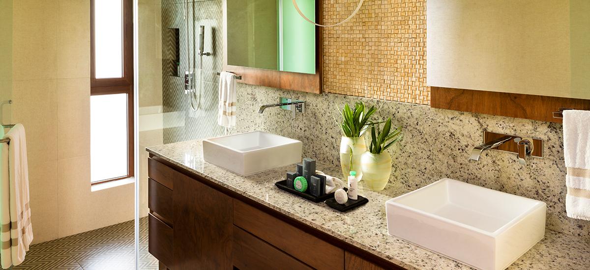 villa esmeralda bathroom 2