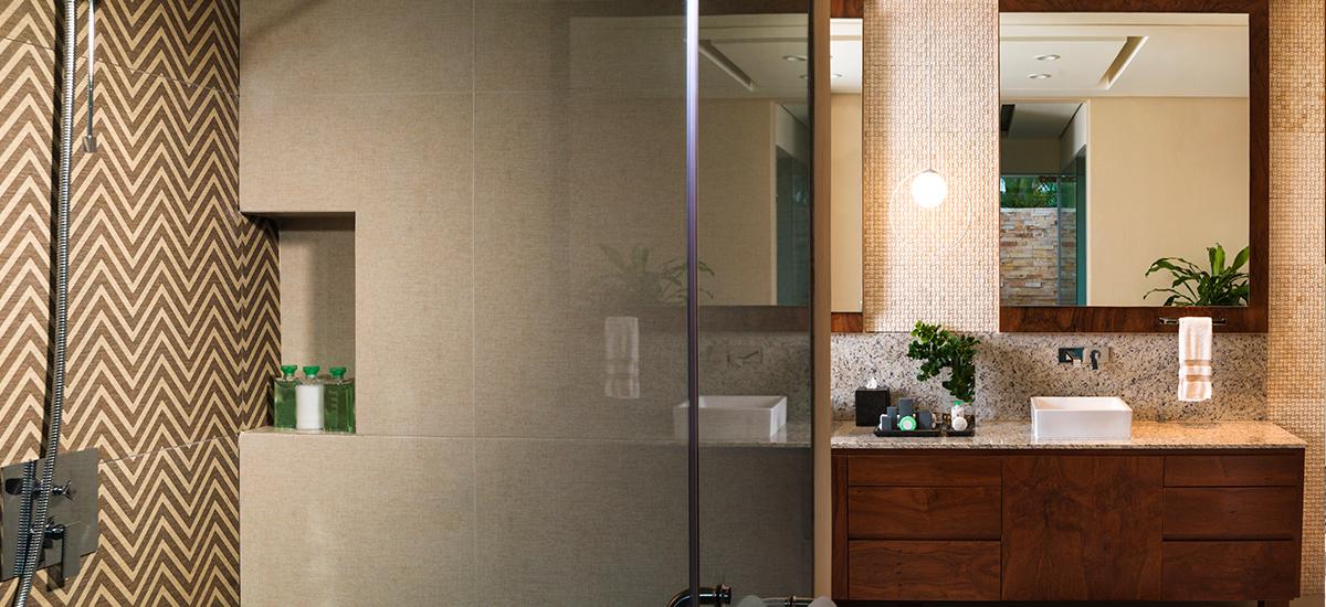 villa esmeralda bathroom
