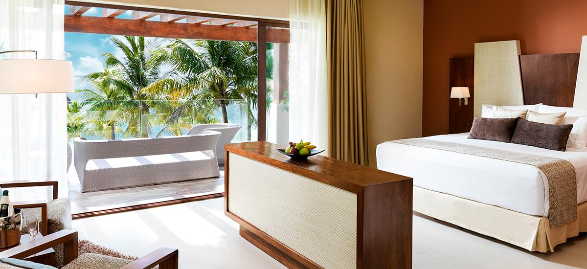 villa esmeralda bedroom