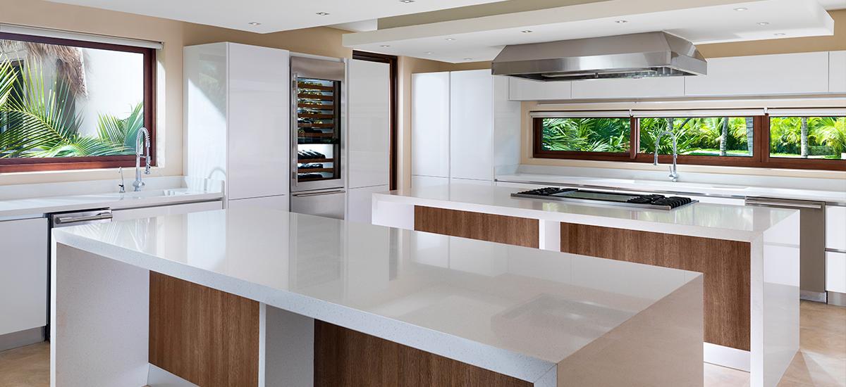 villa esmeralda kitchen 2