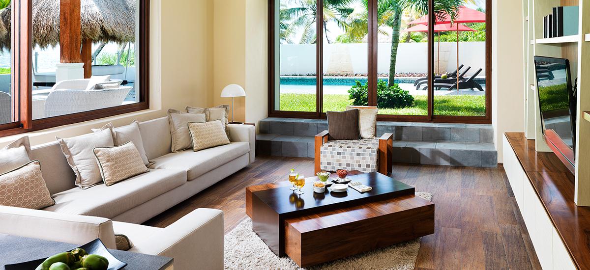villa esmeralda living