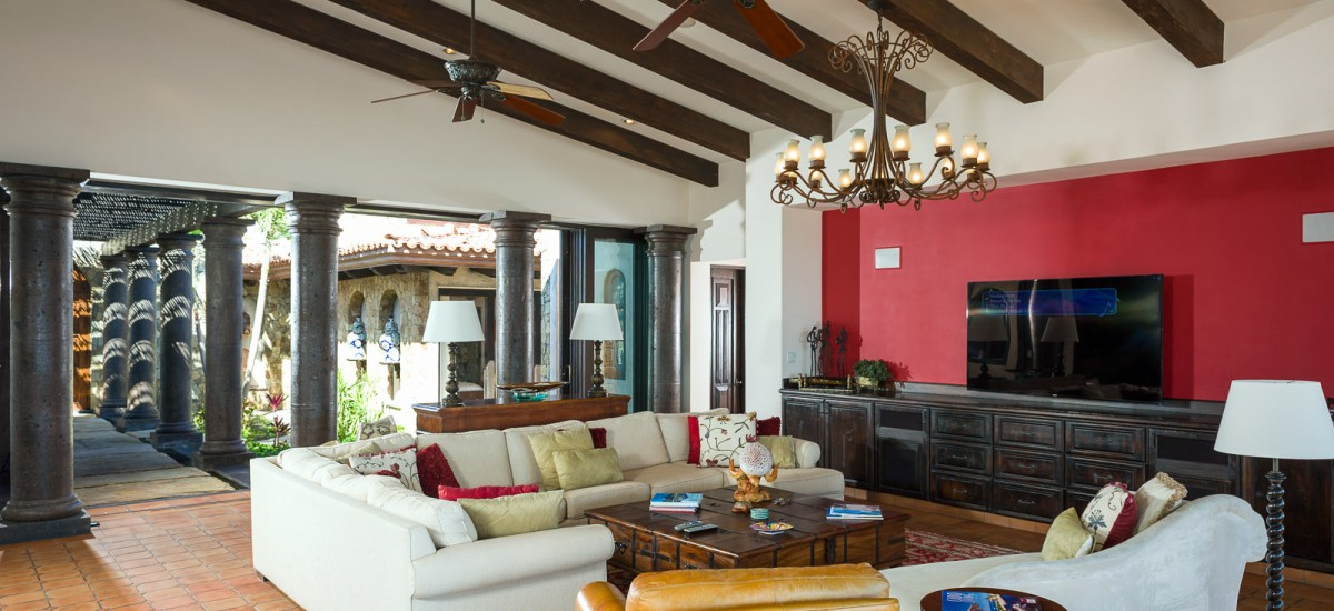 villa estero living room