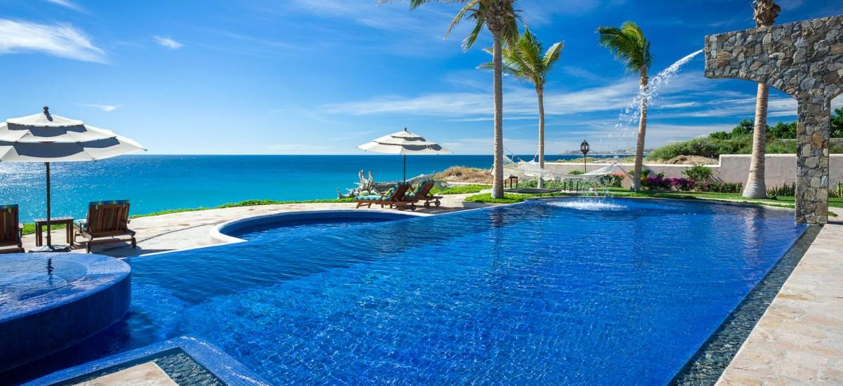 villa estero pool 2