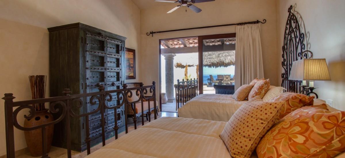 villa fuego y agua bedroom 4