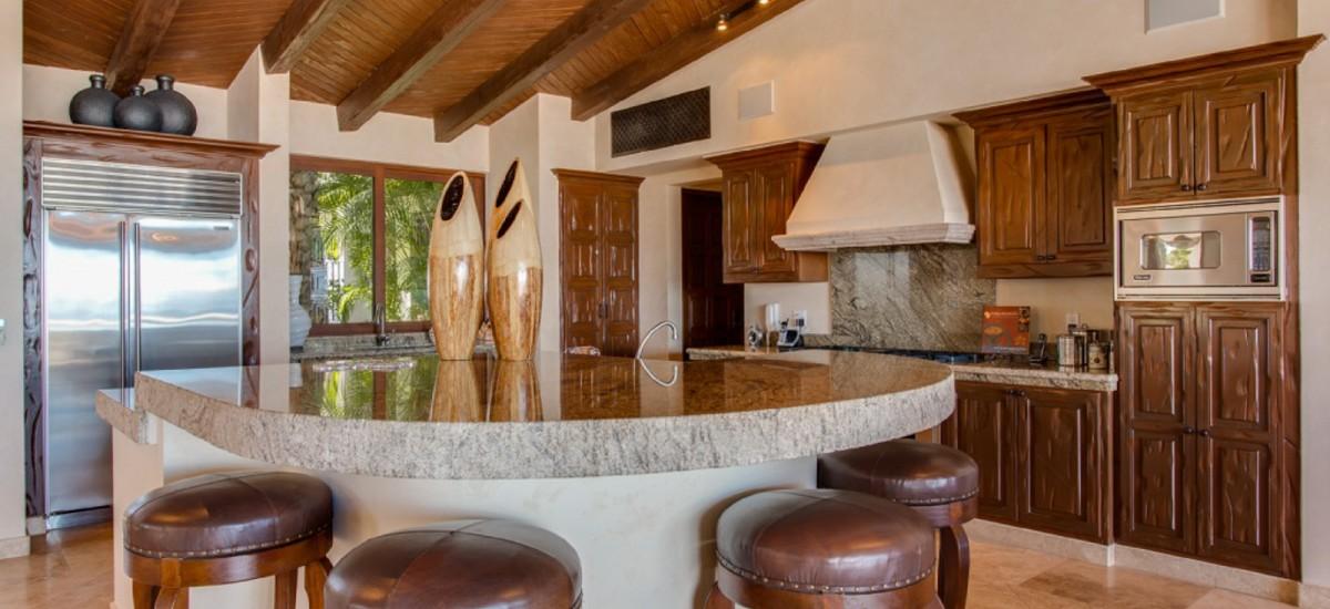 villa fuego y agua kitchen 2