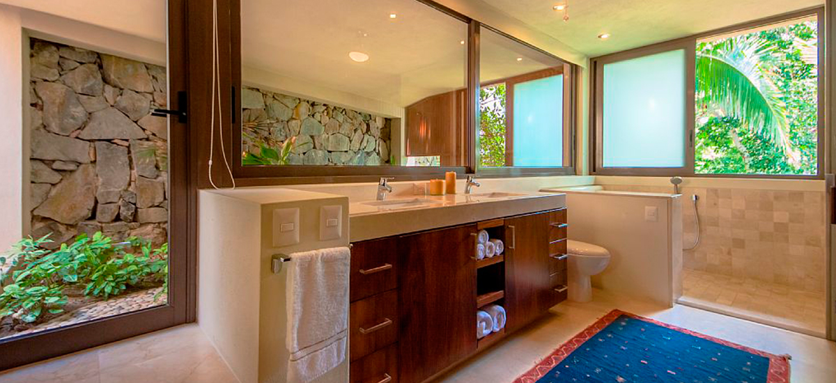 villa kismet bathroom