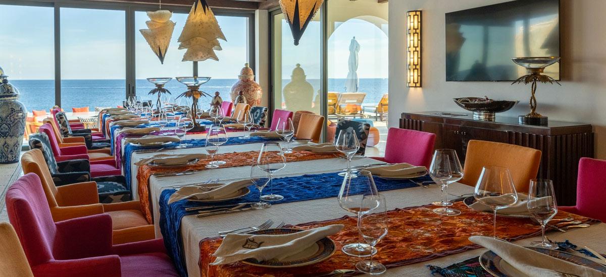villa la datcha dining room