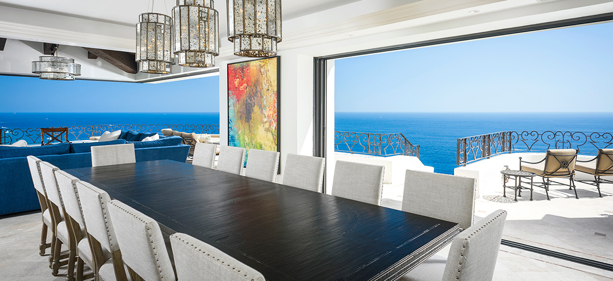 villa la roca dinner table