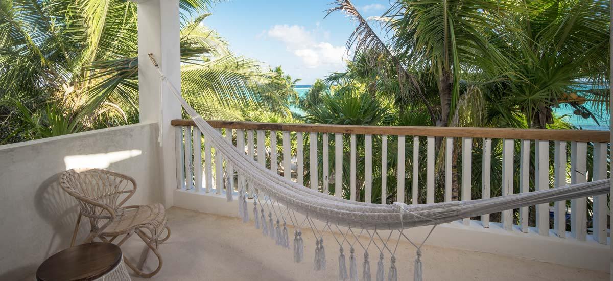 villa la semilla balcony