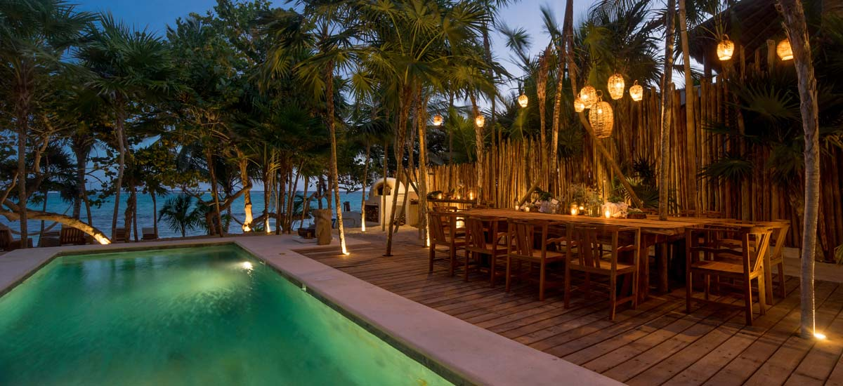villa la semilla dining pool