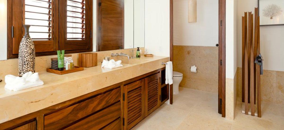 Villa Las Palmas 36 Bathroom Principal