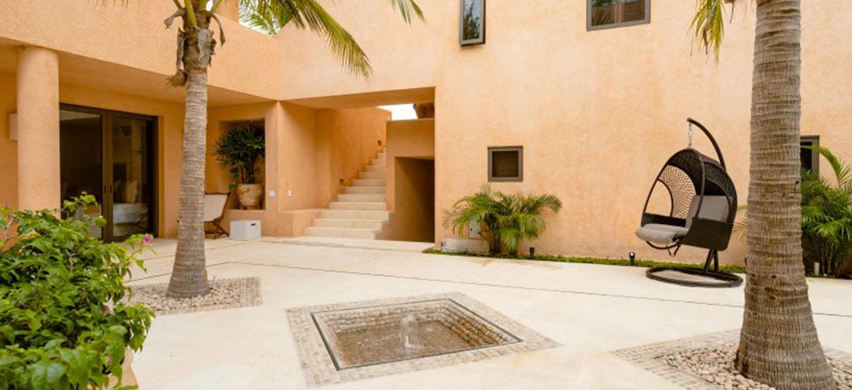 Villa Las Palmas 36 Courtyard