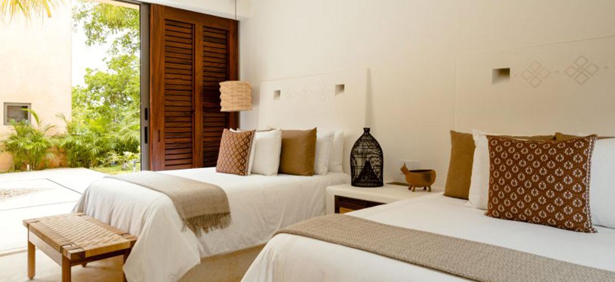 Villa Las Palmas 36 Room Master