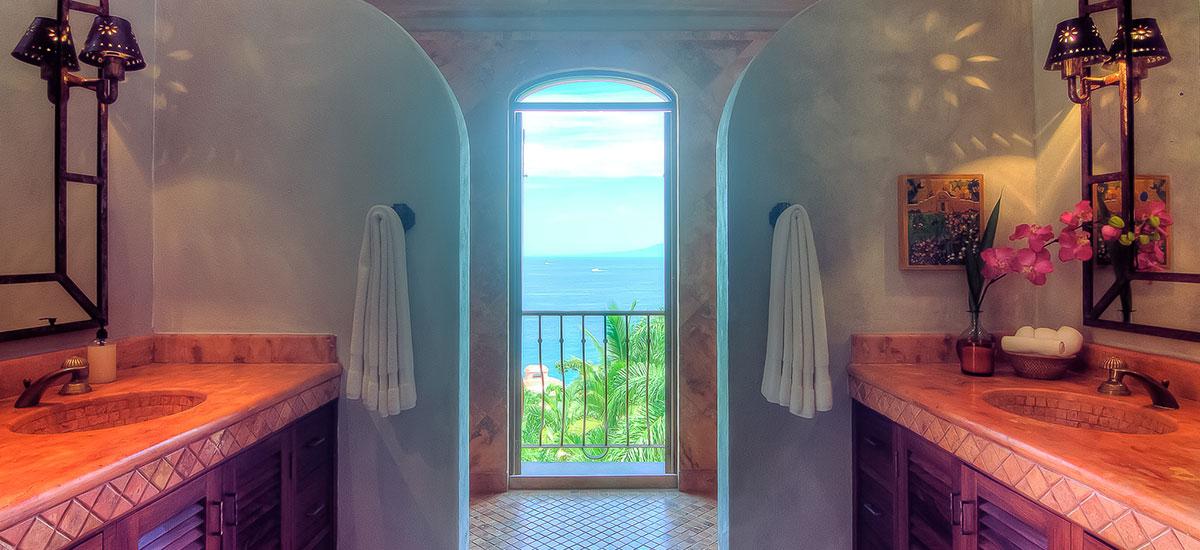villa las puertas vallarta bathroom