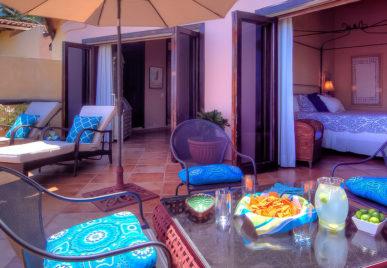 Villa Las Puertas lounge