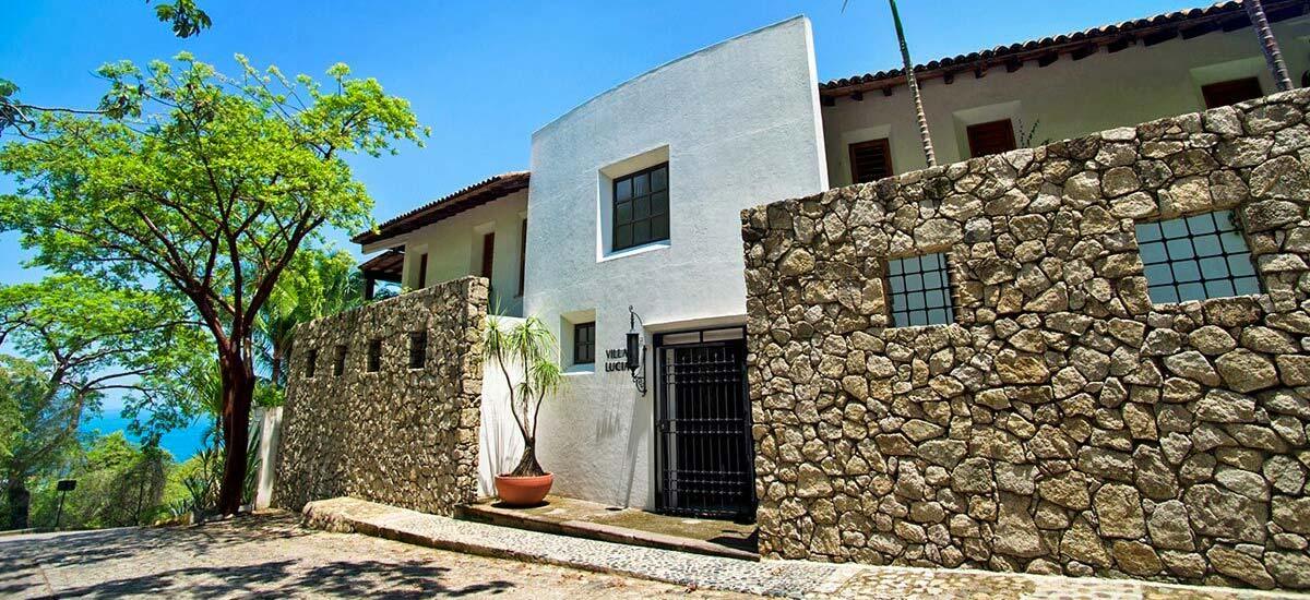 villa lucia front entrance