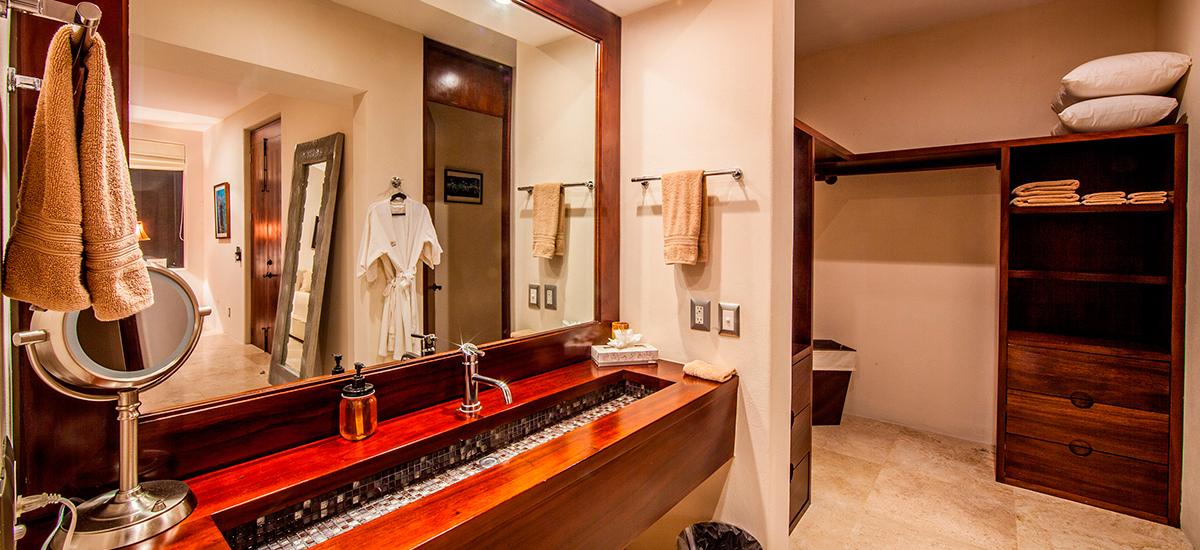villa lunada bathroom