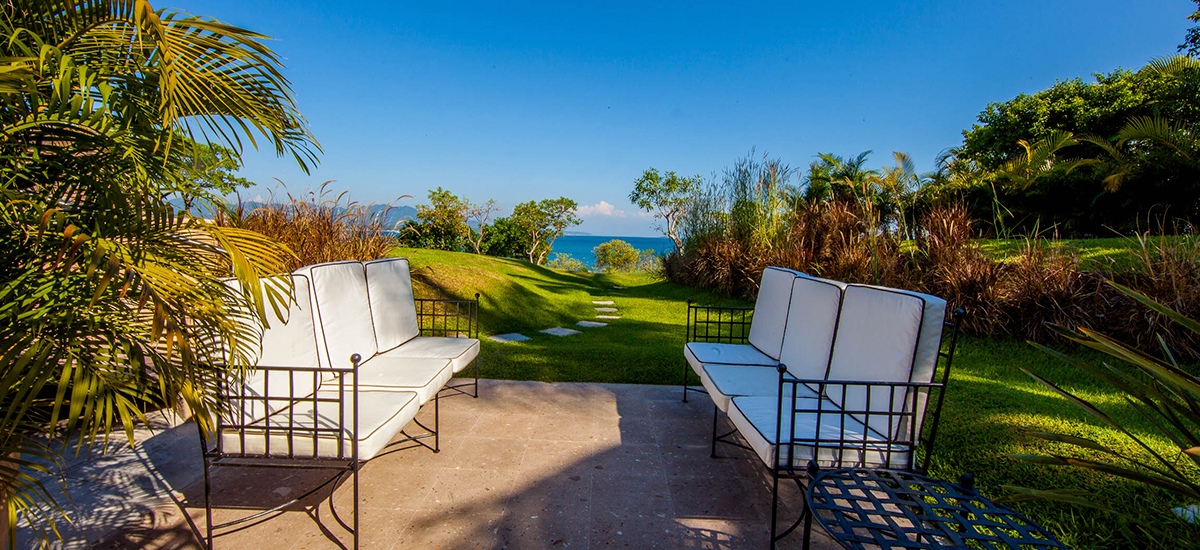 villa lunada chairs