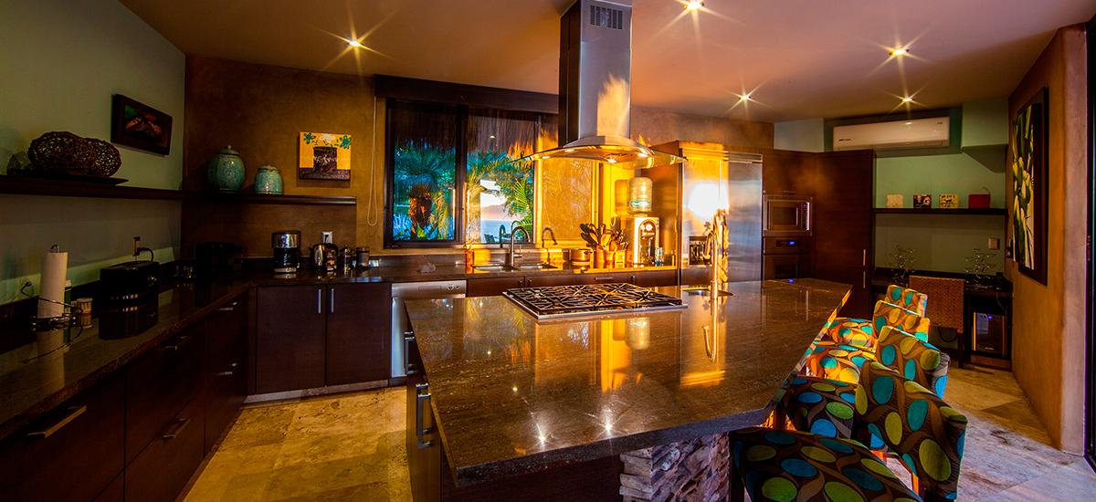 villa lunada kitchen 2
