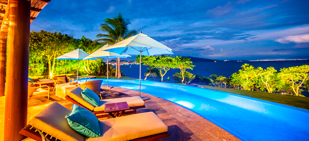 villa lunada pool decks