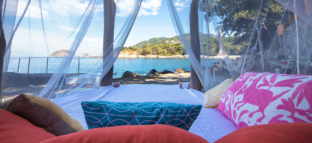 villa mandarinas beach bed