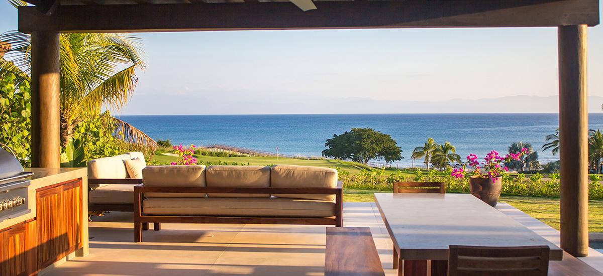 villa marlago lounge view