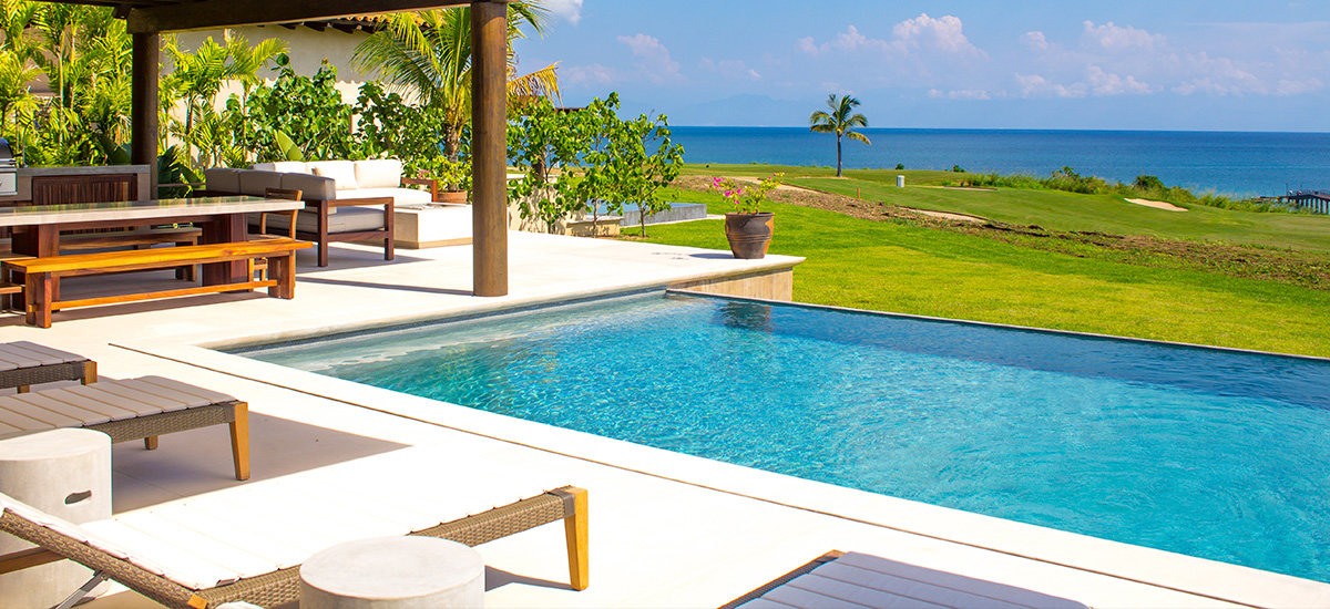 villa marlago pool 2