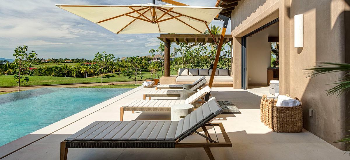 villa marlago pool lounge