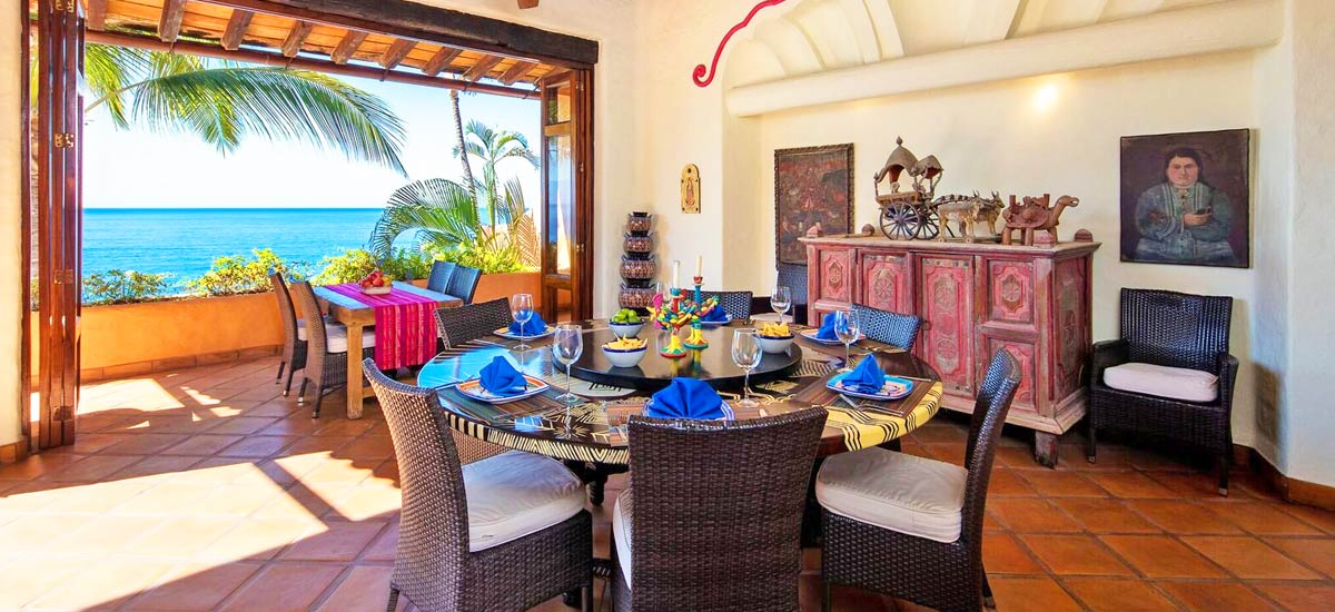 villa mc fuego dining room