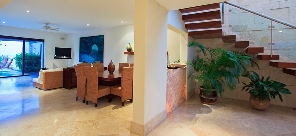 villa onix dinner room