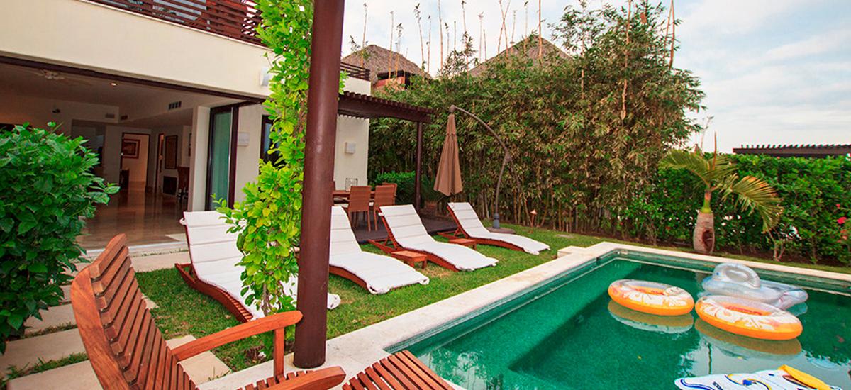 villa onix pool 2
