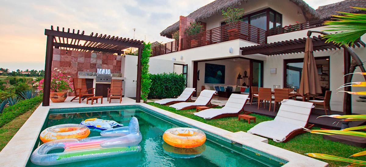 villa onix pool