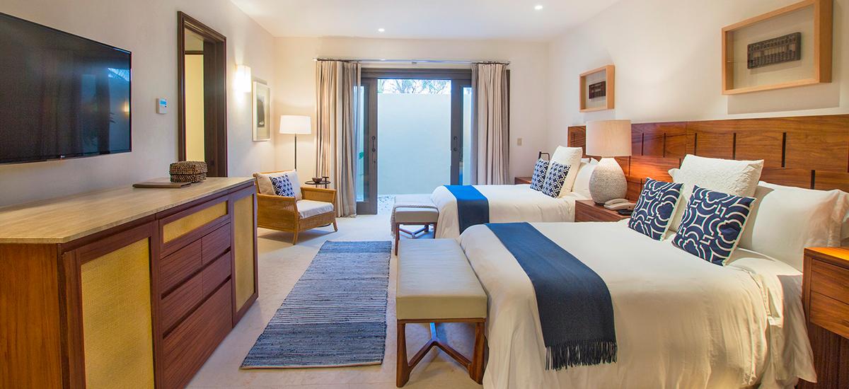 villa pacifico bedroom