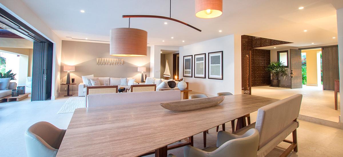villa pacifico dining table