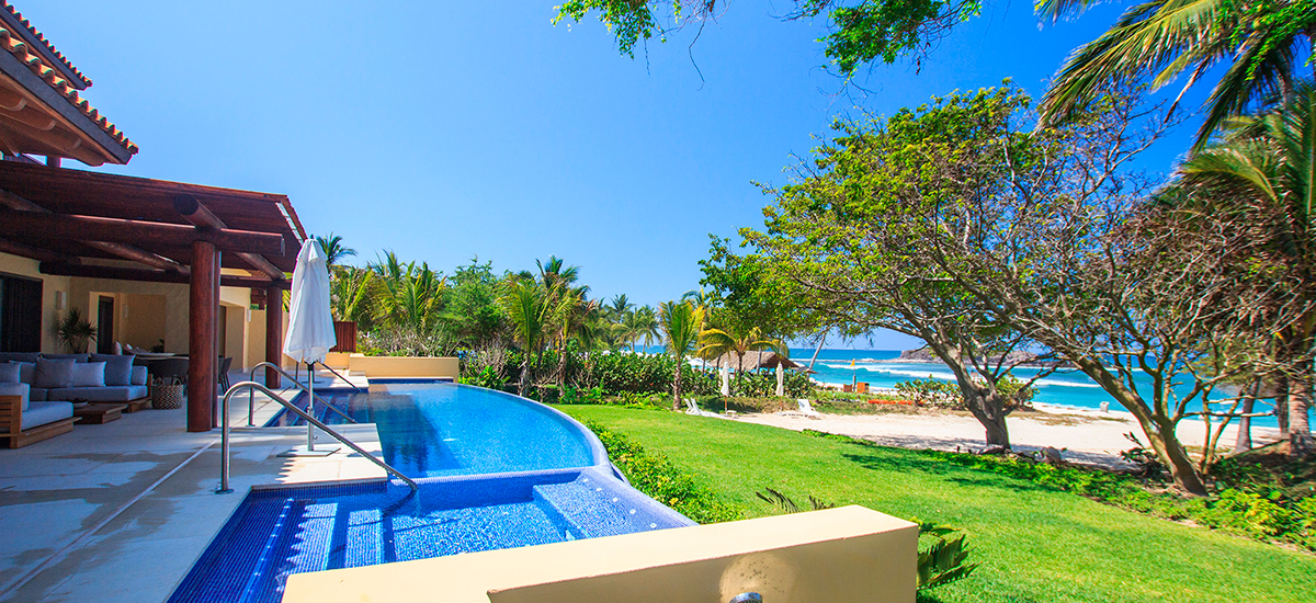 villa pacifico pool 2