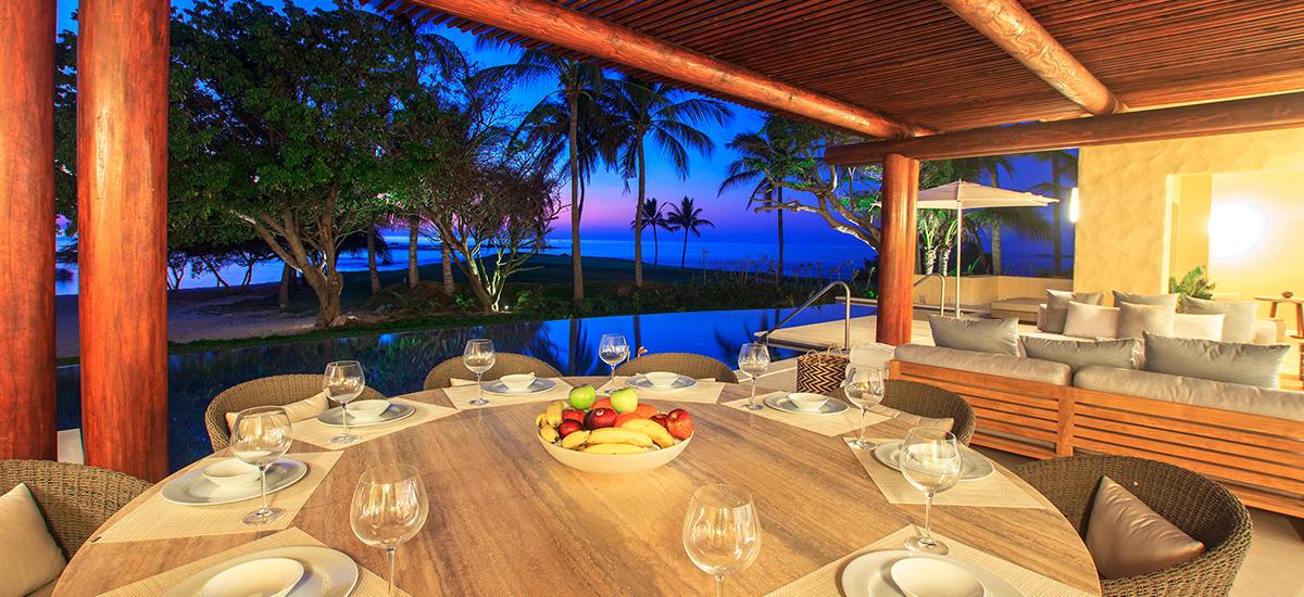 villa pacifico table set