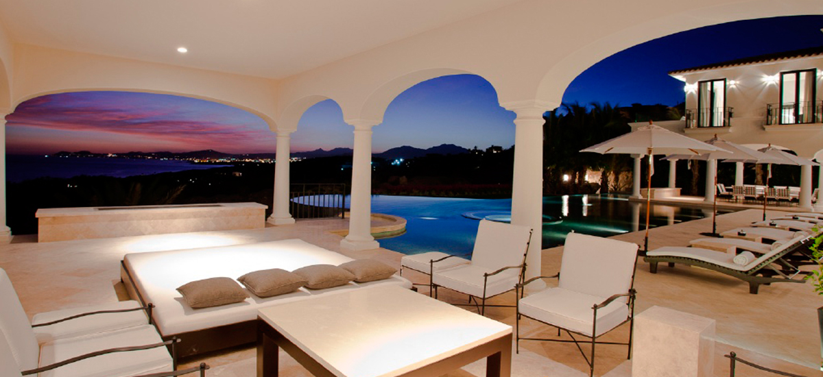 villa paradiso perduto living night