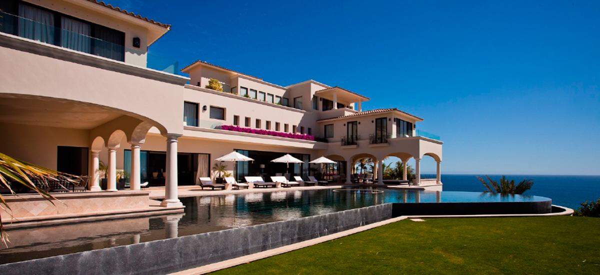 villa paradiso perduto pool