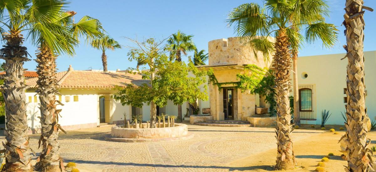 villa piedra blanca front 2