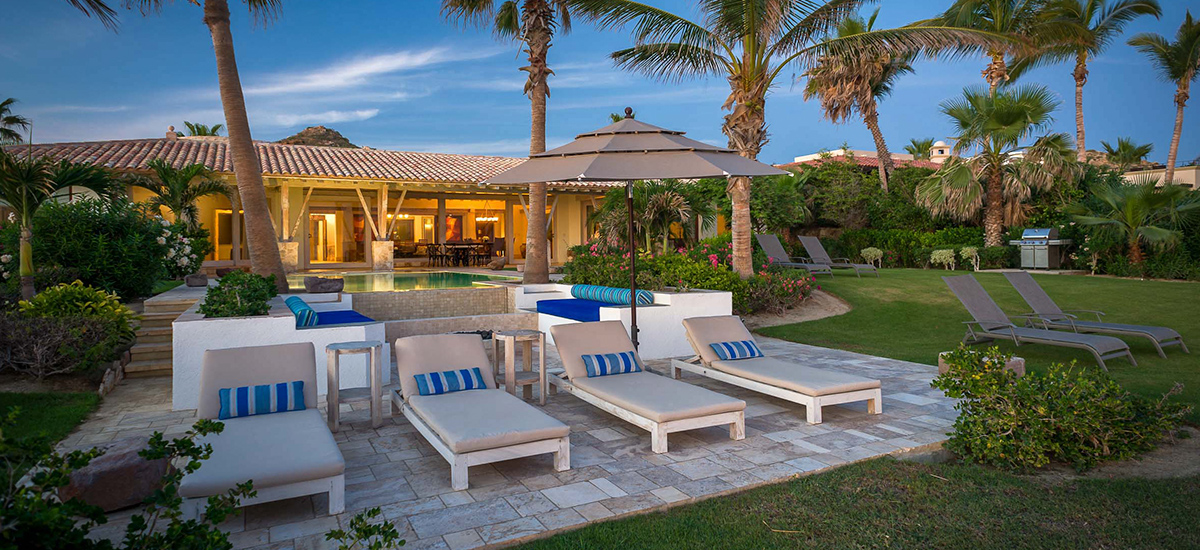 villa piedra blanca lounge chairs