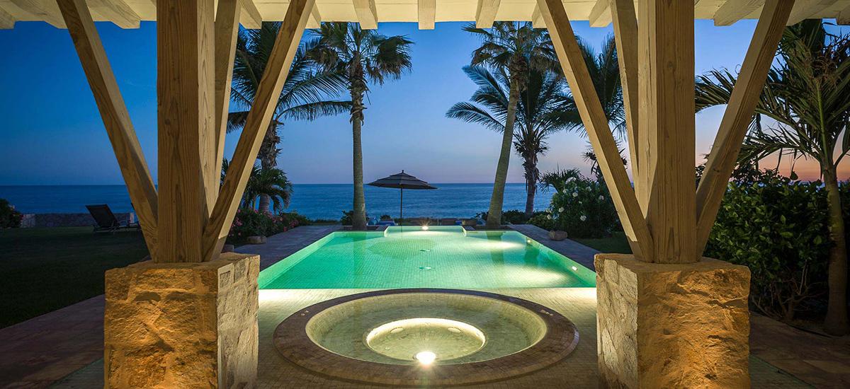 villa piedra blanca pool