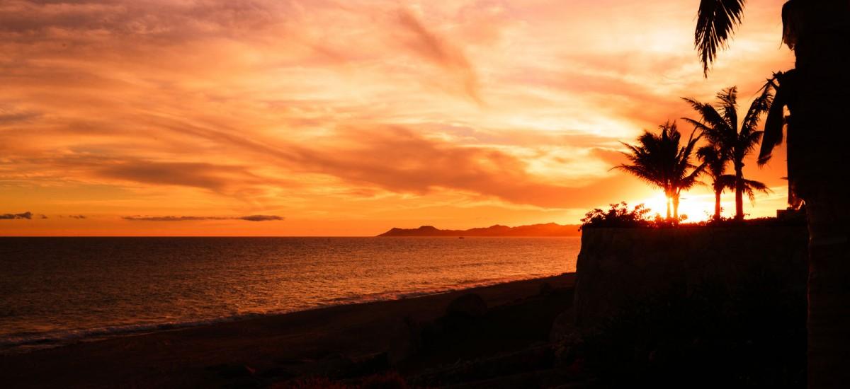villa piedra blanca sunset