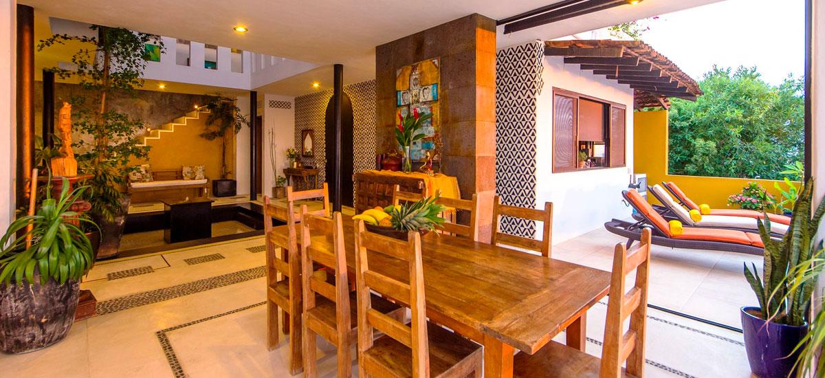 villa punta del cielo dining table