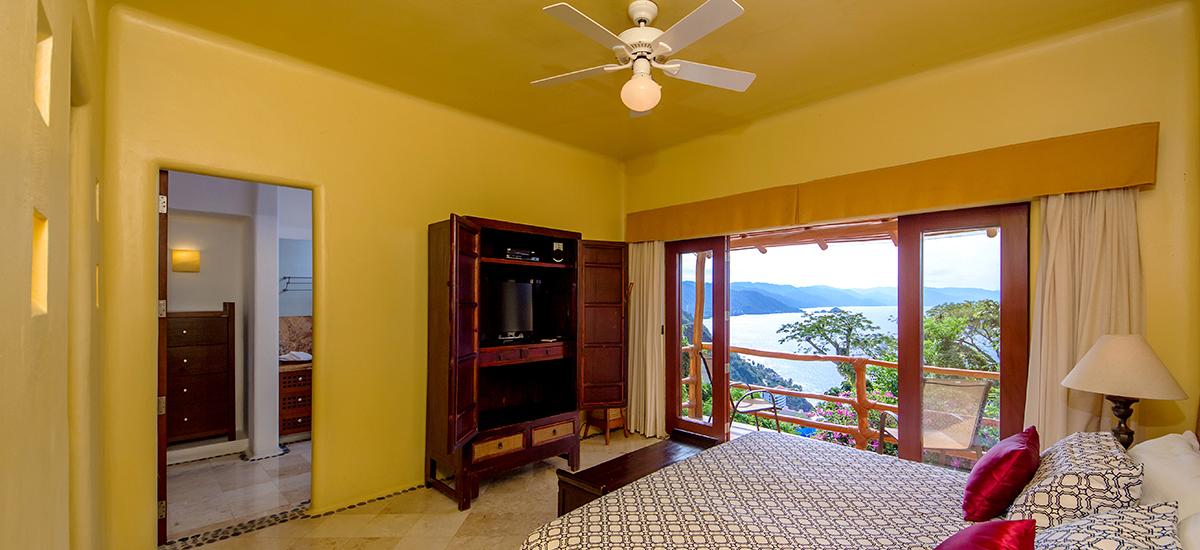 santa cruz villa bedroom 2