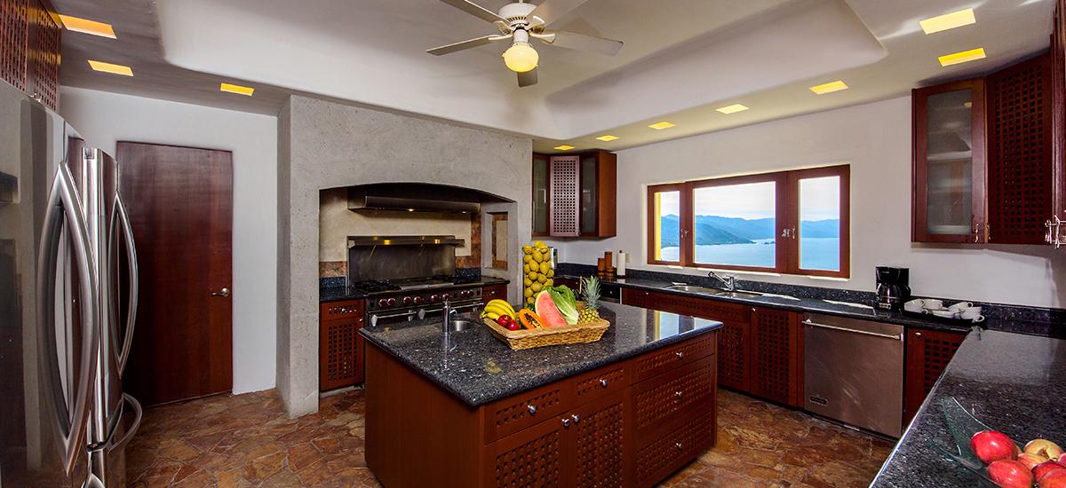 santa cruz villa kitchen