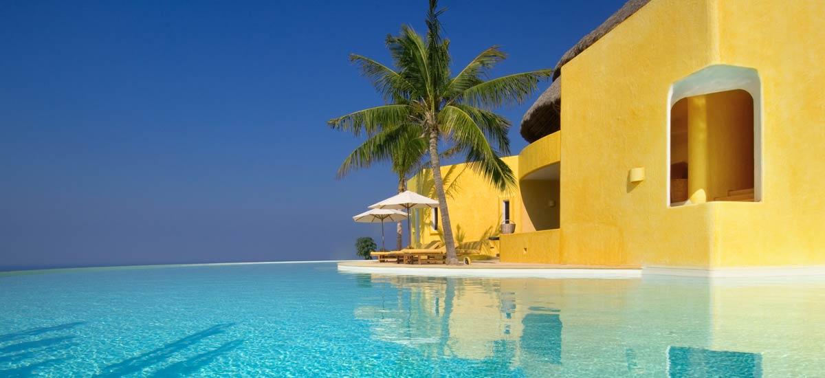 villa sol de oriente infinity pool