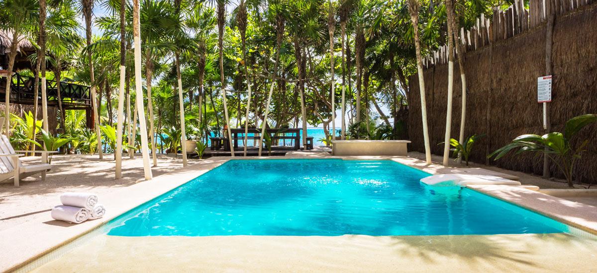 villa soliman pool front