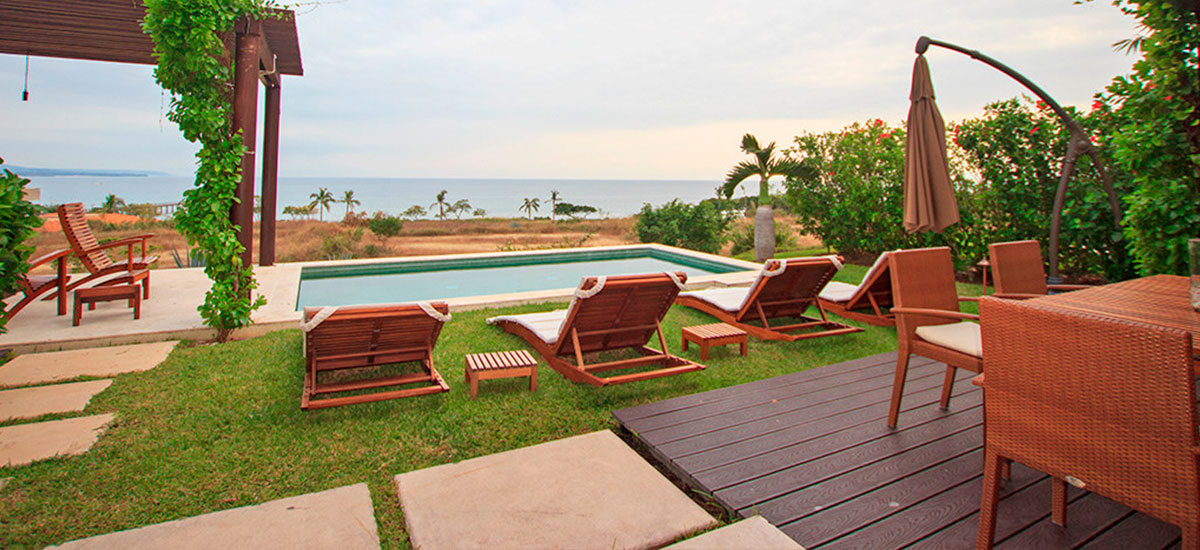 villa topacio lounge chairs
